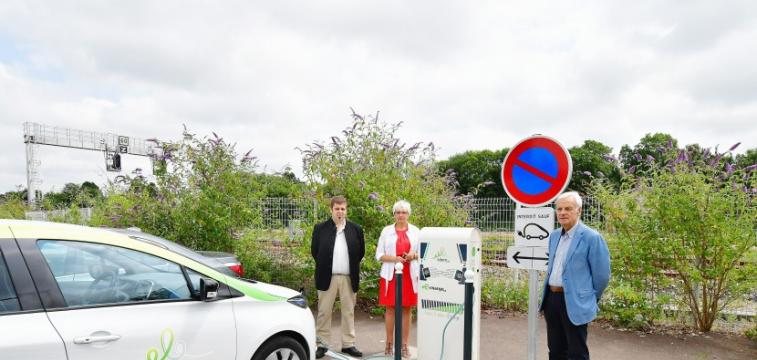 Inauguration de la borne e-charge50 à Coutances